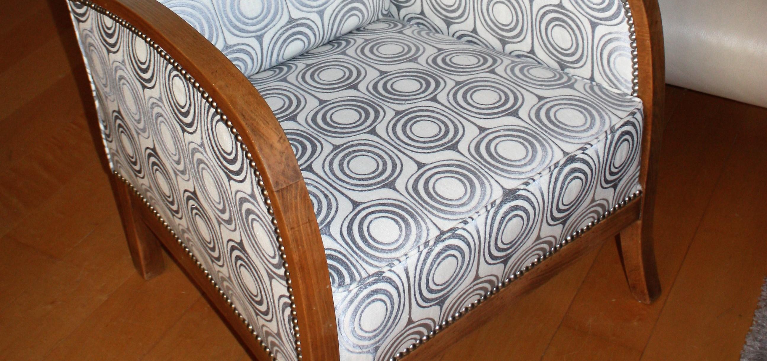 Restaurer Fauteuil Voltaire Moderne custhomize, tapissier d'ameublement et vente de tissus à